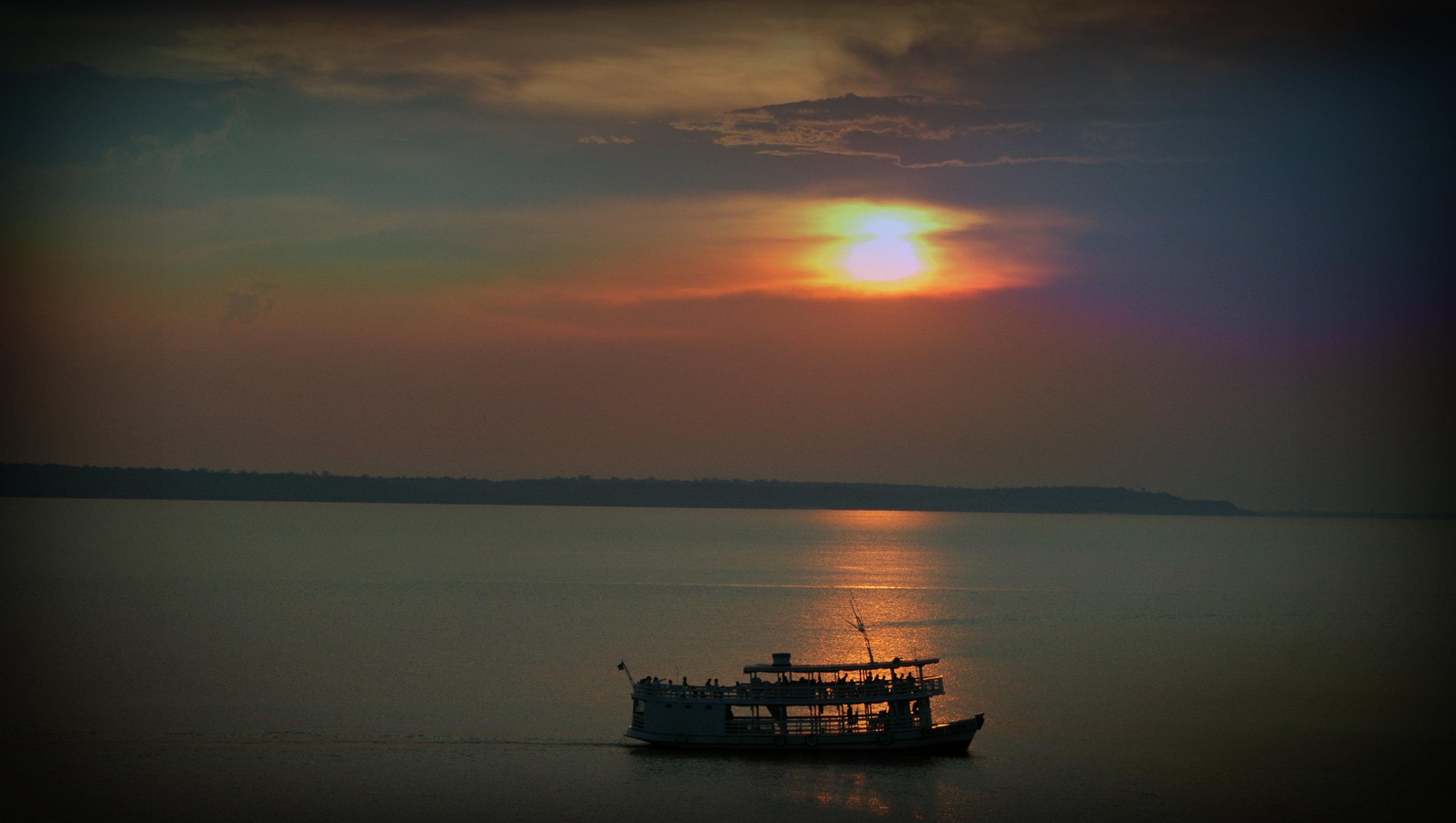 Viaje en ferry desde Manaos a Leticia en Colombia